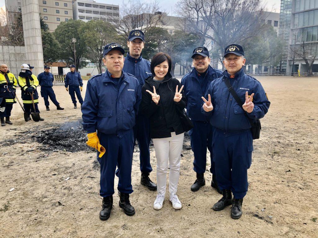 冷泉公園でどんと焼き。地元消防団の方達と