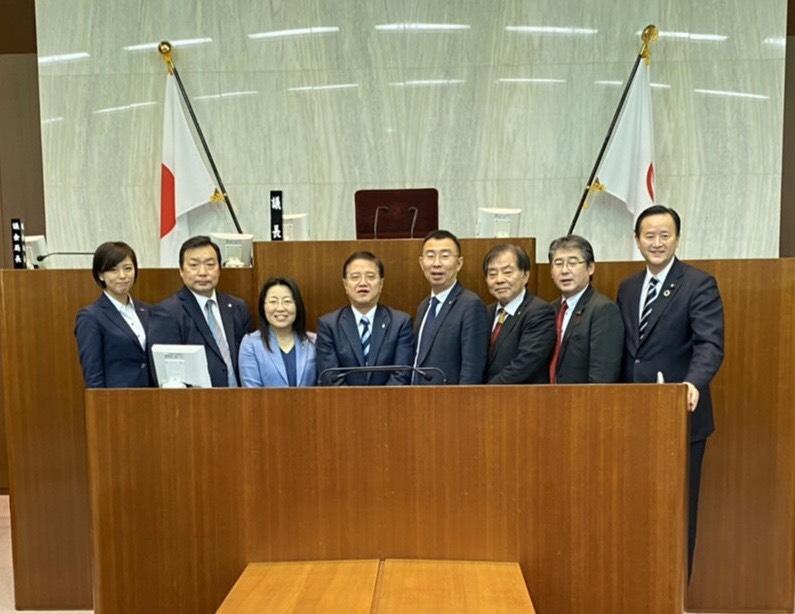 福岡市議会広報委員会、相模原市役所へ他都市調査へ